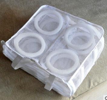 シューズ用 スニーカー 洗濯ネット 靴に優しいクッション付き そのまま干せる ランドリーネット 便利なウォッシュブラシ付