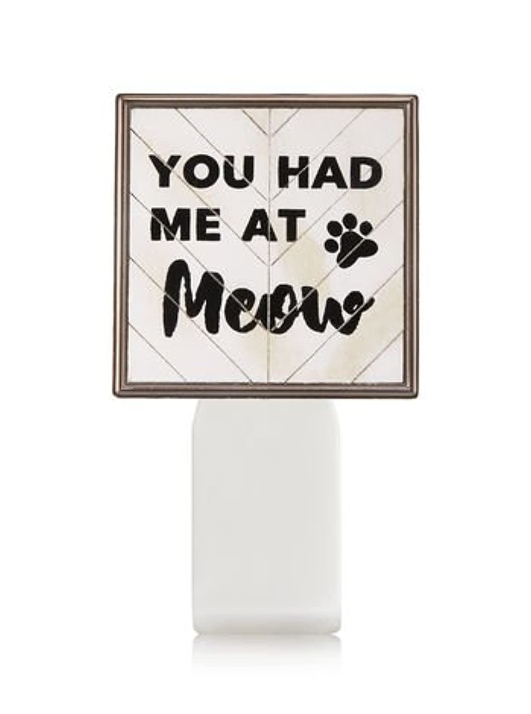 ベーリング海峡イタリアの一掃する【Bath&Body Works/バス&ボディワークス】 ルームフレグランス プラグインスターター (本体のみ) キャット シールド Wallflowers Fragrance Plug You Had Me At Meow...