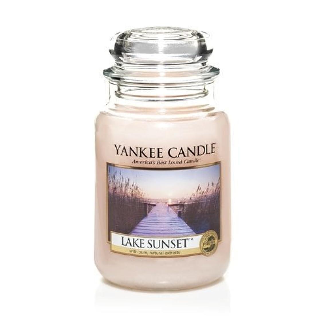 地区ダーリンジャンクションYankee Candle LAKE SUNSET 22 oz Large Jar Candle - New for Fall 2013 by Yankee Candle [並行輸入品]