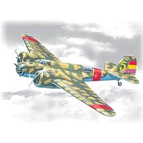 ICM 1/72 ソ連 ツポレフ SB 2M-100 カチューシャ スペイン内戦 プラモデル 72161