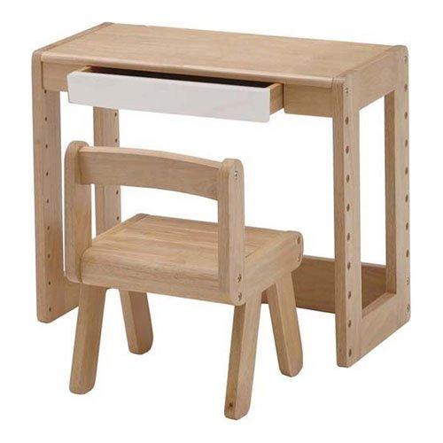 机と椅子がセットになった子供用スタディーセット