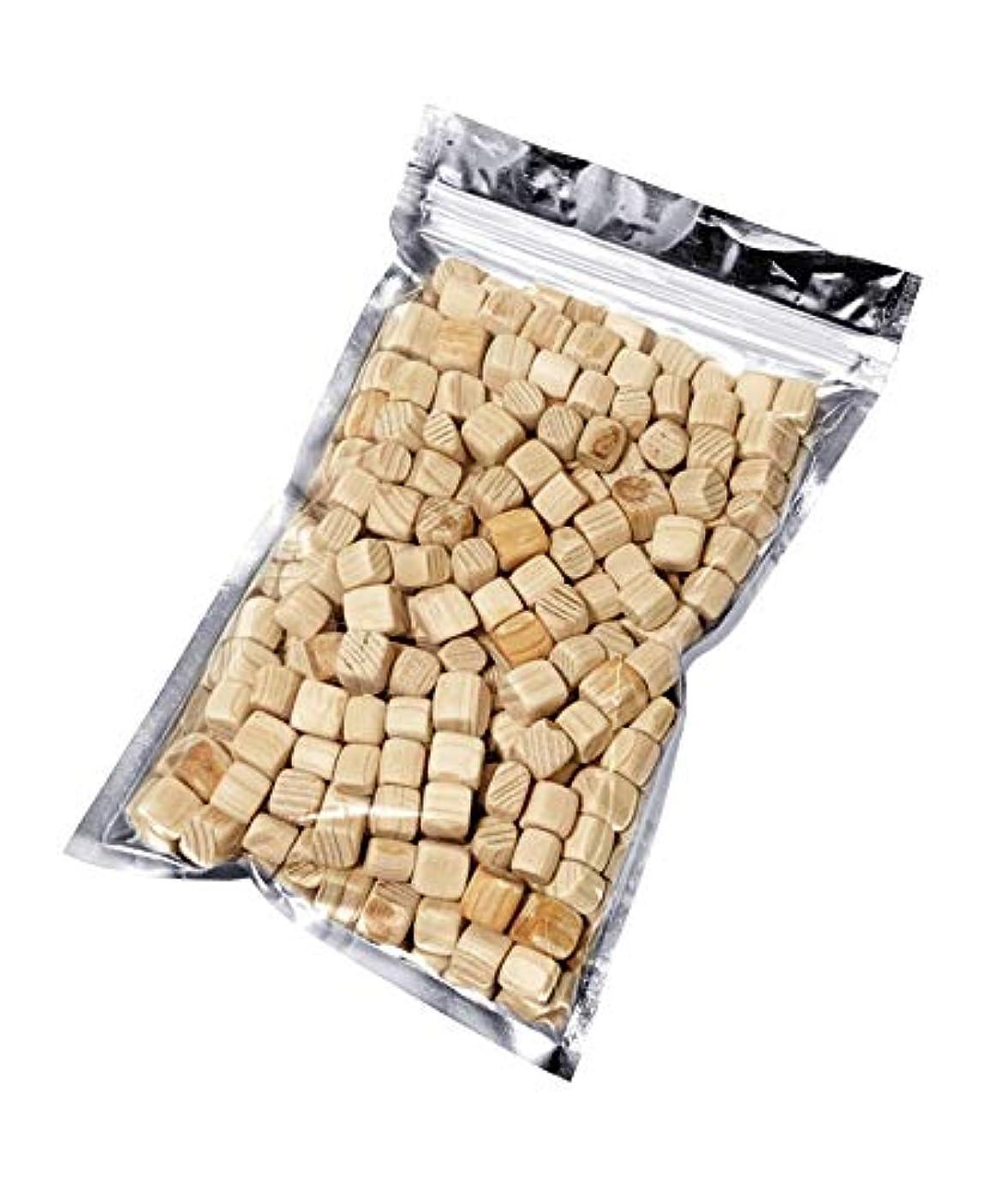 未満降雨普通のkicoriya 国産ヒノキ キューブ状ブロック 90g サシェ用袋付き