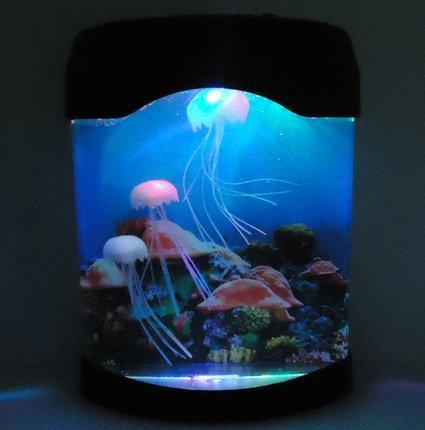 卓上 ミニ 水族館 3色イルミネーション機能で 幻想的クラゲ3匹 付き 癒しアイテム 循環ポンプ 内蔵 地球DR