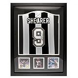 Newcastle United FC Shearer署名付きシャツ(フレーム入り) byニューカッスル。