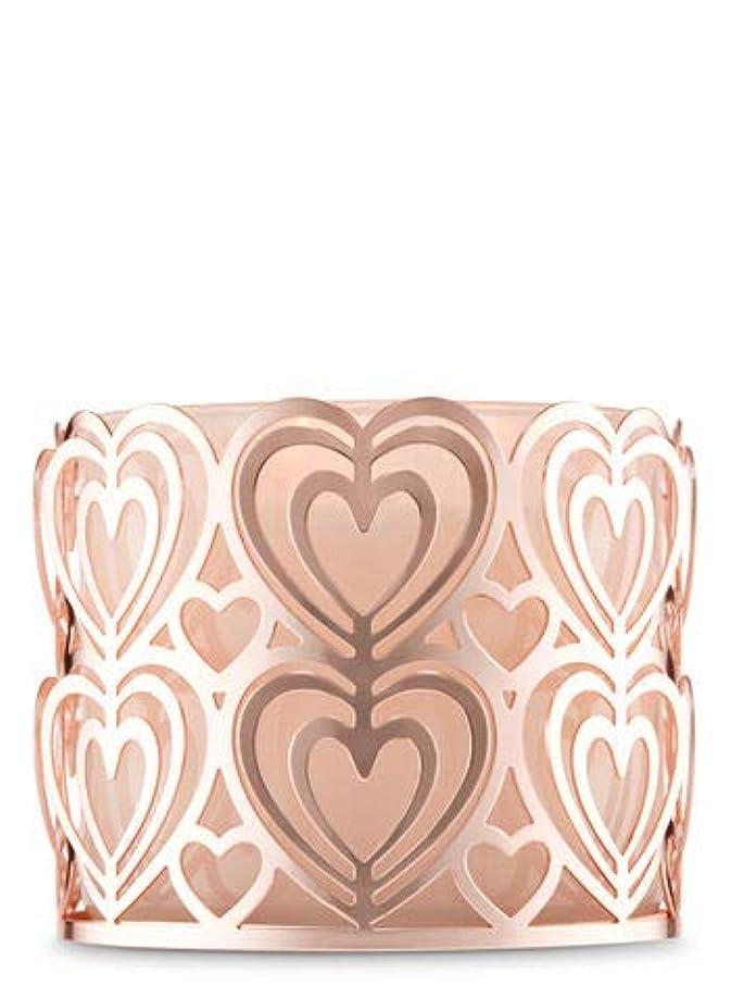 エピソード聖域比較的【Bath&Body Works/バス&ボディワークス】 キャンドルホルダー ローズゴールドハート 3-Wick Candle Holder Rose Gold Heart [並行輸入品]