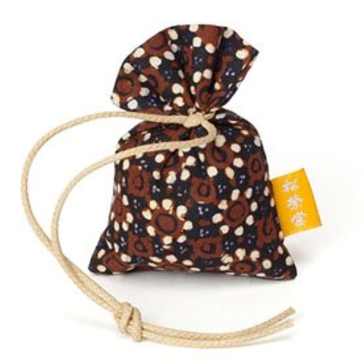 合計フェロー諸島同等の匂い袋 誰が袖 渡 バティック わたる 1個入 松栄堂 Shoyeido 本体長さ60mm