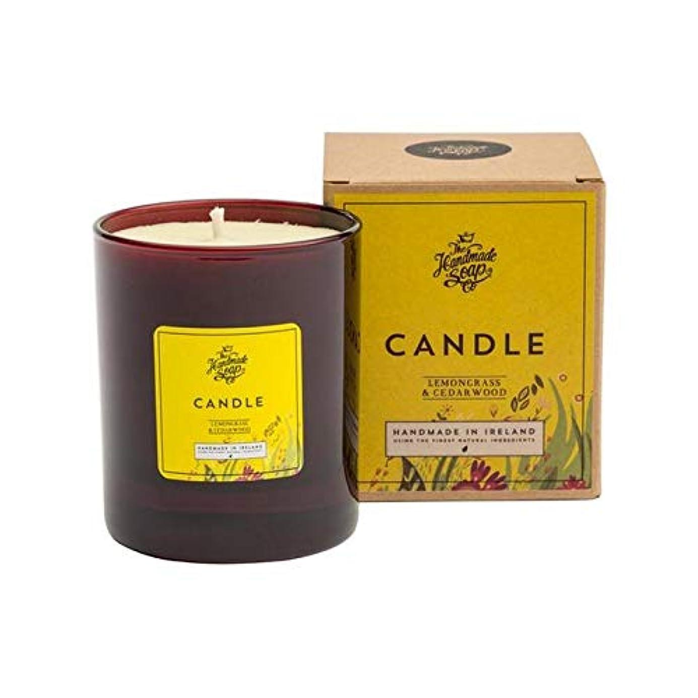 期待してクレジット偏差[The Handmade Soap Company ] 手作り石鹸の共同レモングラス&シダーウッドキャンドル180グラム - The Handmade Soap Co Lemongrass & Cedarwood Candle...