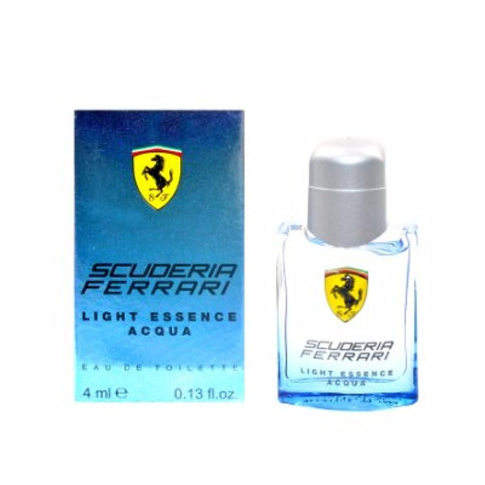 有力者花弁地味なFerrari Scuderia Light Essence Acqua EDT Mini 4ml(フェラーリ スクーデリア ライト エッセンス アクア オードトワレ ミニ 4ml)[海外直送品] [並行輸入品]