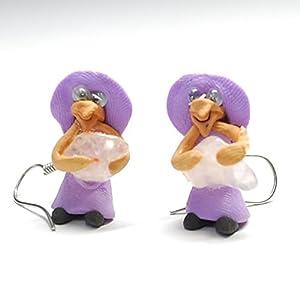 【クロネコDM便発送・全国送料¥84】  ペルー製のラッキーグッズ 魔女のお守りです。  魔法使いで有名な魔女たち、実は南米ペルーでは良い人です。魔法を使って幸運を願う!  ピアスセット(ペア)ですがまったく同じ形、風合いではないのでご了承ください。  ペルーの現地職人さんの手で一つずつ丁寧に作り上げた商品です。  ※もっている石(パワーストーン)の種類の指定ができませんのでご了承ください。