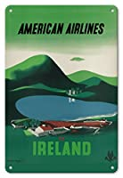 22cm x 30cmヴィンテージハワイアンティンサイン - アイルランド - ロス城、キラーニー国立公園 - アメリカン航空 - ビンテージな航空会社のポスター によって作成された エドワード・マックナイト・コウファー c.1948