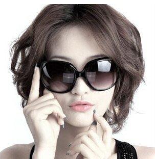 JapaNice ファッション サングラス おしゃれ 小顔効果 ビックフレーム セレブ 芸能人風  UV400 紫外線防止 レディース 魅力的 (ブラック)