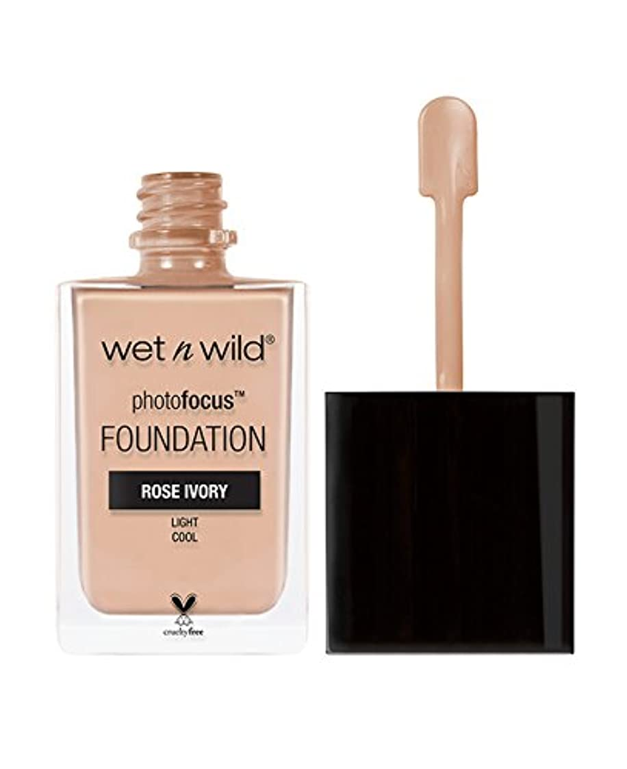 俳句十分にスポットWET N WILD Photo Focus Foundation - Rose Ivory (並行輸入品)