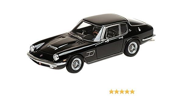 white Minichamps 1:43 Maserati Mistral Coupé 1963