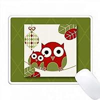 緑と赤のかわいい野生動物のクリスマスオウルのカップル PC Mouse Pad パソコン マウスパッド