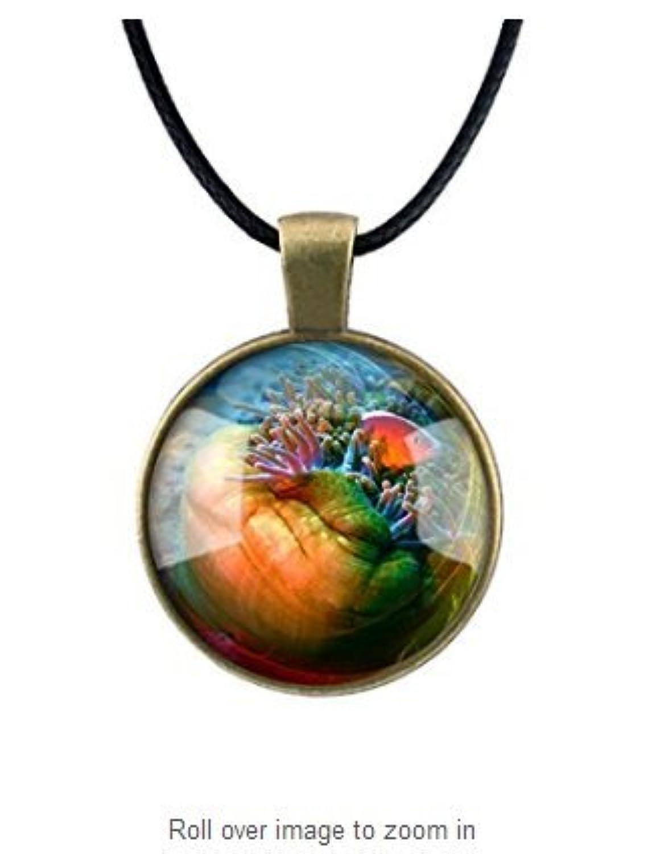 熱帯魚のネックレスの海の生活海洋水族館航海アートペンダントチェーンによる青銅や銀に含まれる