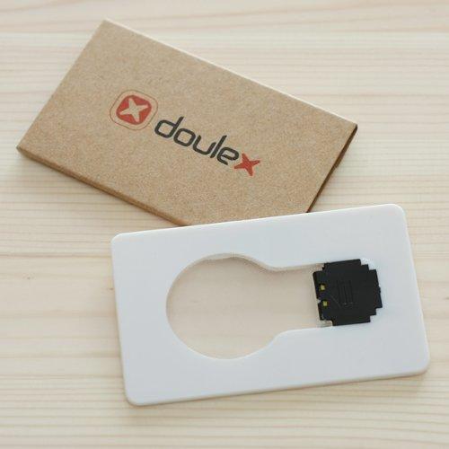 財布にも入るカード型LEDライト「doulex 電球型ポケットライト」