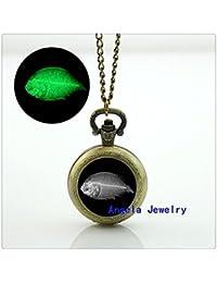 魚の熱烈な懐中時計ネックレスジュエリーの輝きの魚、暗いガラスの懐中時計におけるレイ