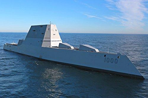 絵画風 壁紙ポスター (はがせるシール式) ズムウォルト級ミサイル駆逐艦 DDG-1000 USS ステルス駆逐艦 ミリタリー キャラクロ UNDR-001S2 (603mm×400mm) 建築用壁紙+耐候性塗料