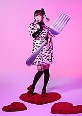上坂すみれの4thアルバム「NEO PROPAGANDA」1月リリース。12月発売の写真集にはランジェリー姿や水着姿も