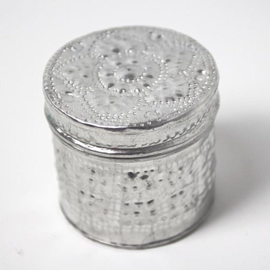 雑品タブレットダウンアルミアートのボックスにはいったアロマキャンドル?円柱