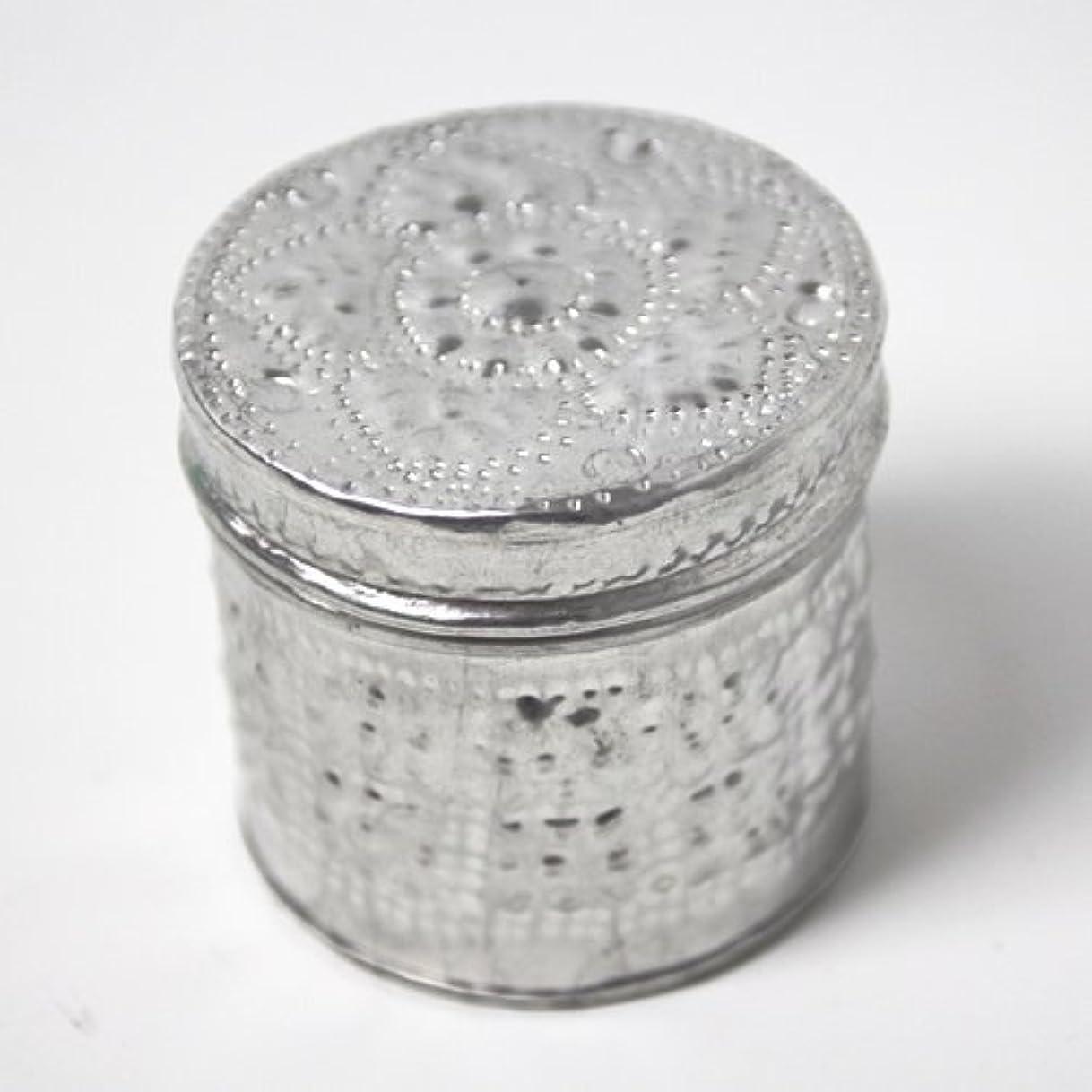 肥満ハブブバーターアルミアートのボックスにはいったアロマキャンドル?円柱