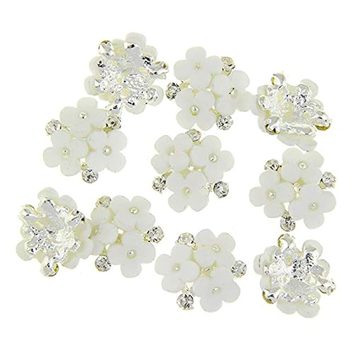 本美人柱ネイルズ3D花銀合金チャーム用10個/ロット三花柄ラインストーンは、アートの装飾ネイル