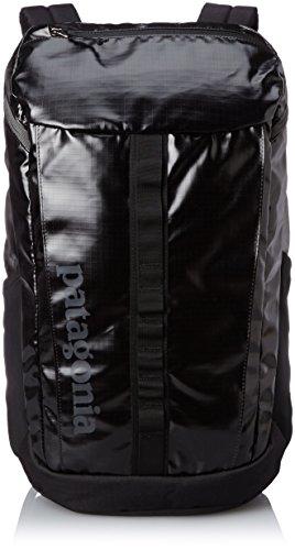 43ccfae14751 おすすめ旅行用バックパック2. パタゴニア バックパック Black Hole Pack 25L