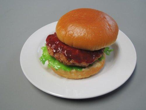 シズル感たっぷりの食品サンプル! 日本職人が作る 食品サンプル ハンバーガー IP-198