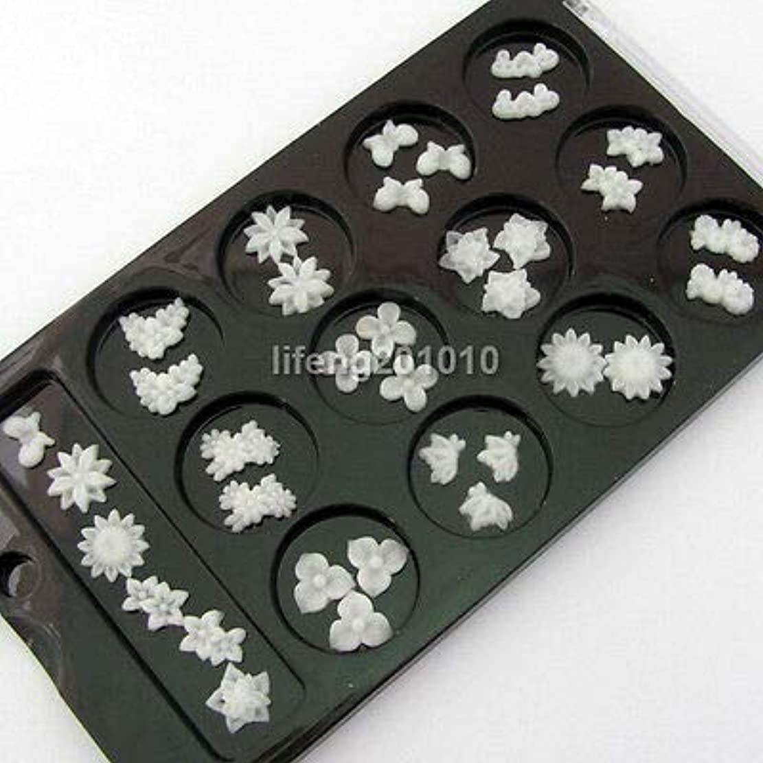 FidgetGear ネイルアートの装飾の携帯電話の付属品のための60PC白3Dの釘の花のスライス