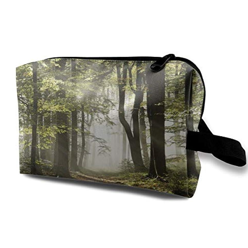 仮定、想定。推測唇ファランクスAutumnal Forest Pathway Mist Wilderness Scene 収納ポーチ 化粧ポーチ 大容量 軽量 耐久性 ハンドル付持ち運び便利。入れ 自宅?出張?旅行?アウトドア撮影などに対応。メンズ...