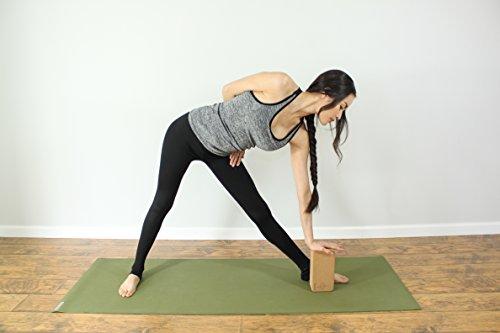のヨガブロック、頑丈で軽量、サポートがしっかり、アイアンガーヨガのポーズに使いやすい。全身のワークアウト、ヨガフィットネス&瞑想に必須のアクセサリー