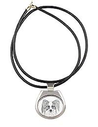 パピヨン、犬のネックレスのコレクションイメージで、昇華