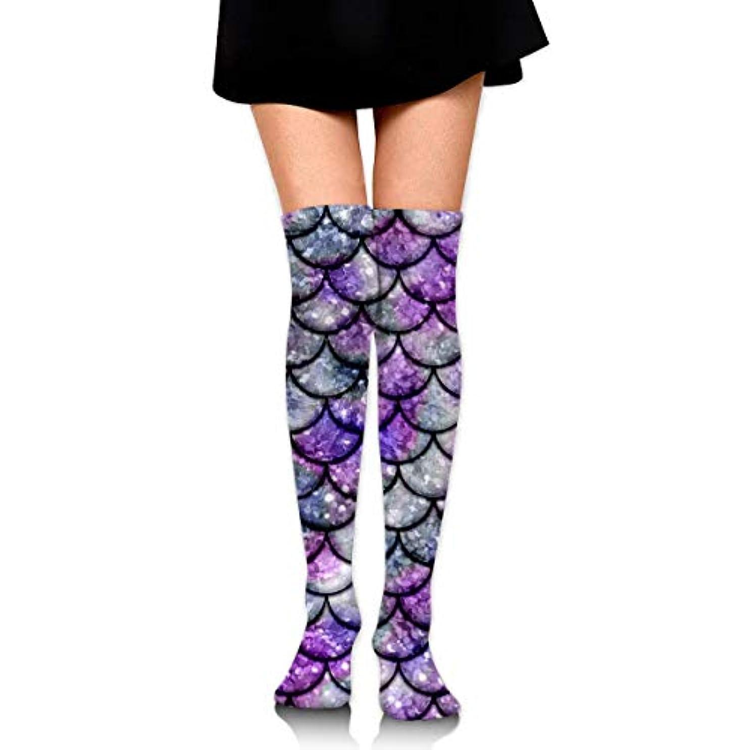 ハチモデレータ正午MKLOS 通気性 圧縮ソックス Breathable Extra Long Cotton Mid Thigh High Purple Mermaid Fish Scales Exotic Psychedelic Print...