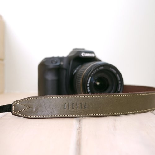 CIESTA 本革カメラネックストラップ
