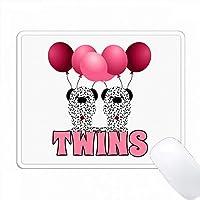 ピンクのバルーンツインガールズを持つ2匹のダルマチアの子犬 PC Mouse Pad パソコン マウスパッド
