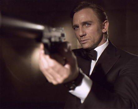 ブロマイド写真★『007カジノ・ロワイヤル』ダニエル・クレイグ/銃構え