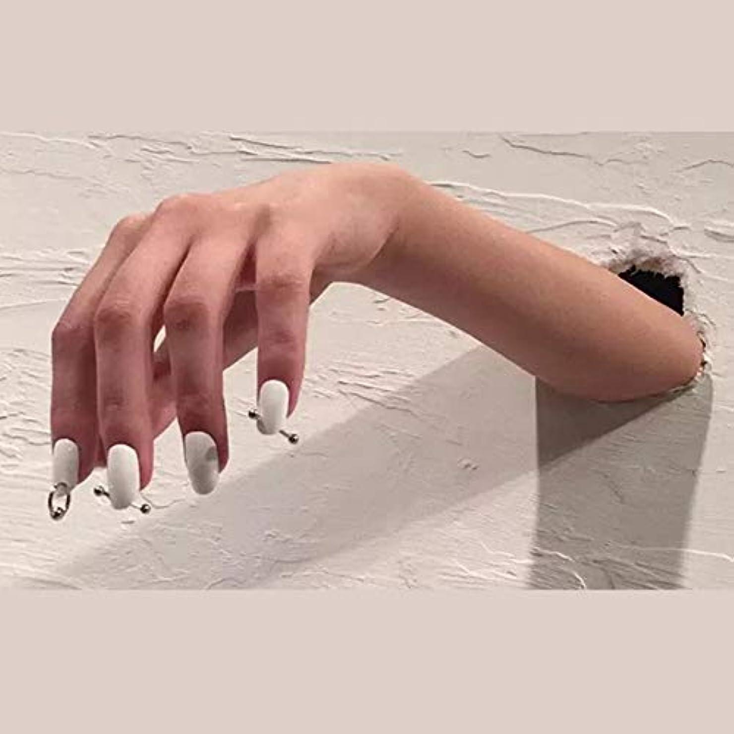 マザーランド土砂降り真似るXUTXZKA スリヴァーリング偽爪偽爪24ピース女性フルネイルチップと白の純粋な色