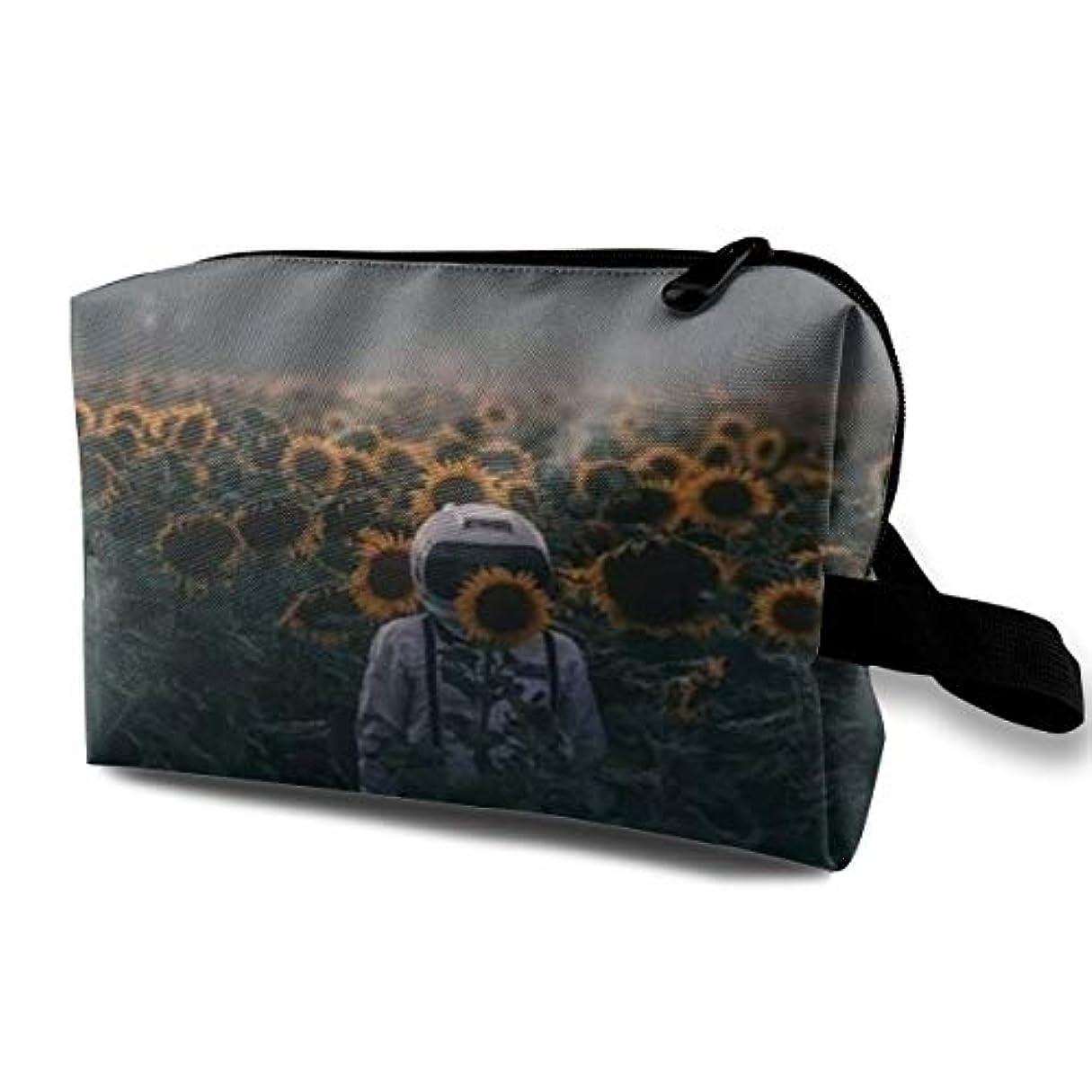 制限するハードリング雇用者Astronaut With Sunflower 収納ポーチ 化粧ポーチ 大容量 軽量 耐久性 ハンドル付持ち運び便利。入れ 自宅・出張・旅行・アウトドア撮影などに対応。メンズ レディース トラベルグッズ