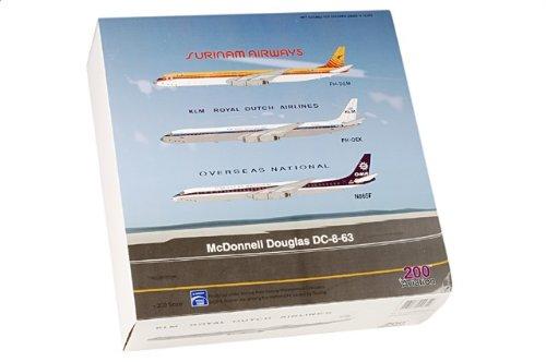1:200 アビエーション 200 AV28631011 ダグラス DC-8-63 ダイキャスト モデル Overseas ナショナル N865F【並行輸入品】