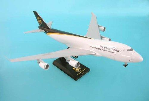 1: 200 スカイマークス UPS ボーイング 747-400F with Landing Gear (並行輸入)