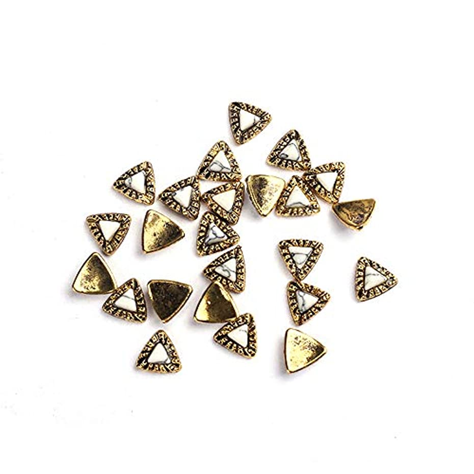 回復スローガンハイキングに行く20枚/ロットDIY UVチャームジュエリーアクセサリーについてはゴールデン亜鉛合金の金属小さな三角形UVジェルアート装飾セットビーズ