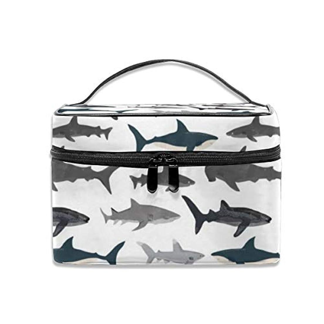 同等の自殺偽造サメ柄 化粧ポーチ 化粧品バッグ 化粧品収納バッグ 収納バッグ 防水ウォッシュバッグ ポータブル 持ち運び便利 大容量 軽量 ユニセックス 旅行する