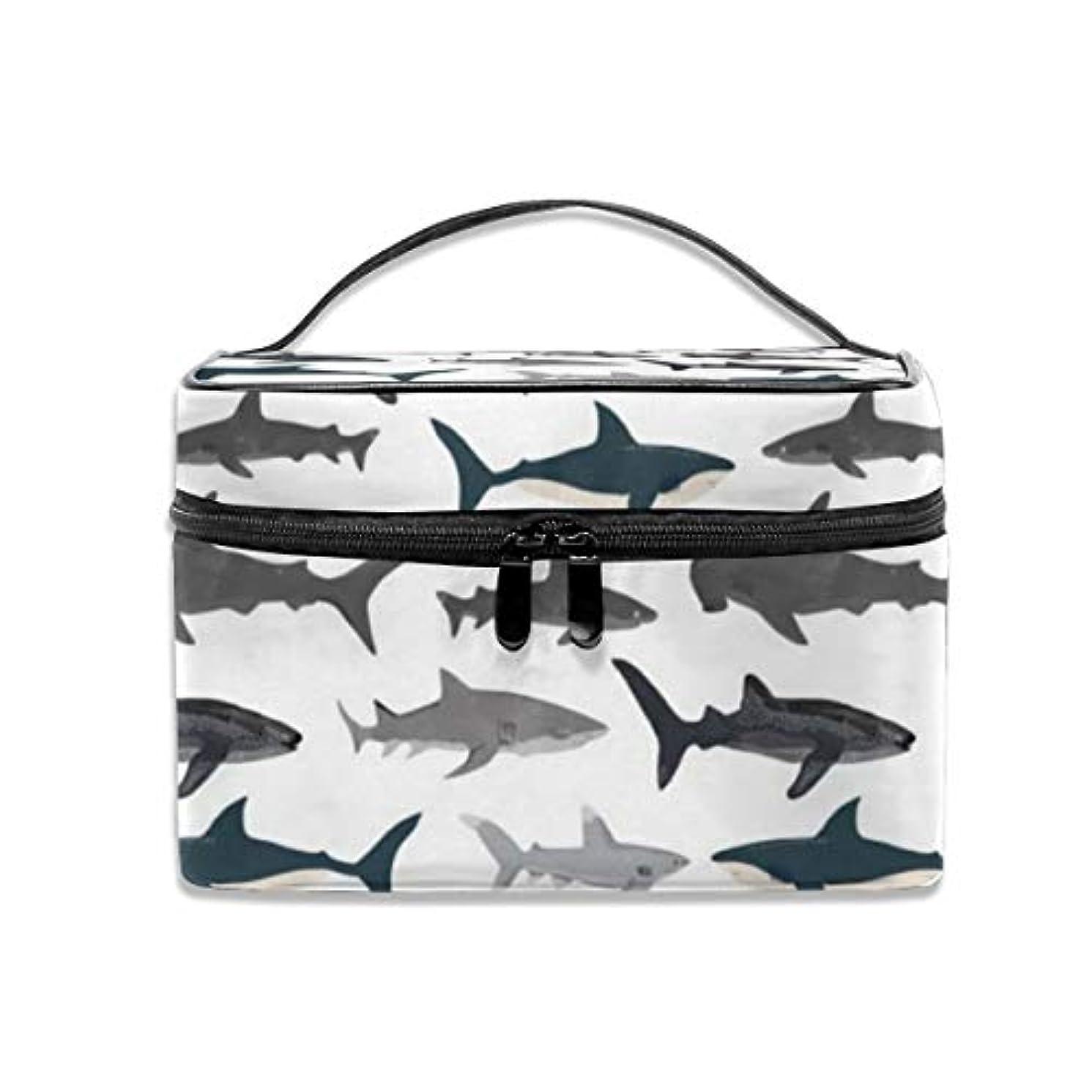 マイクロフォン逆さまに八百屋さんサメ柄 化粧ポーチ 化粧品バッグ 化粧品収納バッグ 収納バッグ 防水ウォッシュバッグ ポータブル 持ち運び便利 大容量 軽量 ユニセックス 旅行する