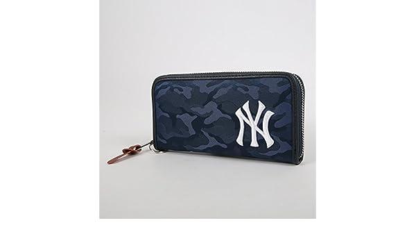 b286aa3af42b Amazon   イーカム MLB 長財布 ニューヨークヤンキース 織カモ柄 ジャガード YK-WLT11 (NAVY)   イーカム   財布
