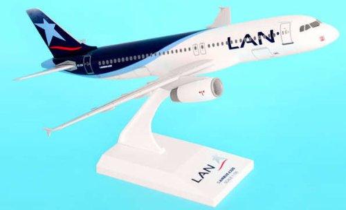 1: 150 スカイマークス LAN Chile エアバス 320 with Landing Gear (並行輸入)