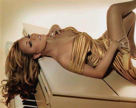 ブロマイド写真★マライア・キャリー Mariah Carey/ピアノに寝転ぶ