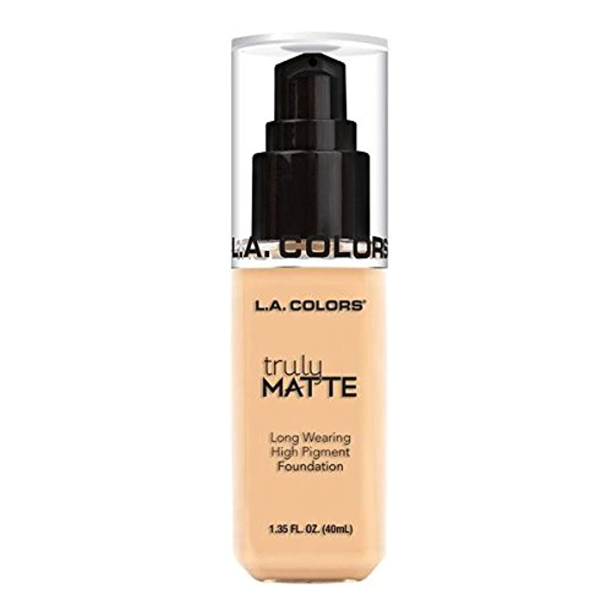 集まるお母さん有名人(3 Pack) L.A. COLORS Truly Matte Foundation - Porcelain (並行輸入品)