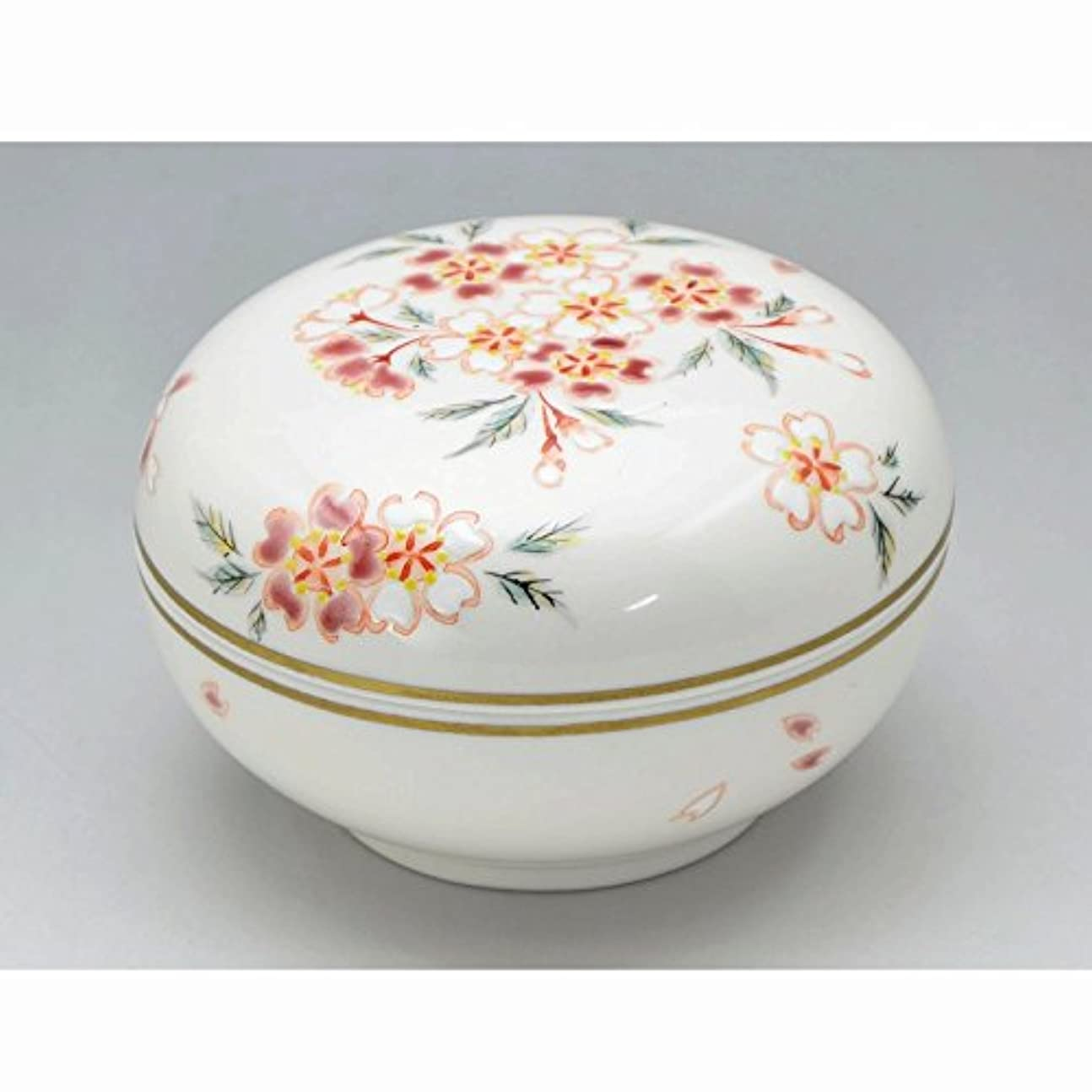 運動する振り返る信仰京焼?清水焼 磁器 香合 花桜 紙箱入 Kiyomizu-kyo yaki ware. Japanese porcelain kogo incense burner hanazakura with paper box.
