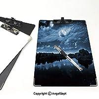 キングジム:クリップボード カラー A4判タテ型 夜空 会議資料など挟 丘の上の湖の満月の反射夜の自然な画像の装飾ダークグレーブルーとホワイト