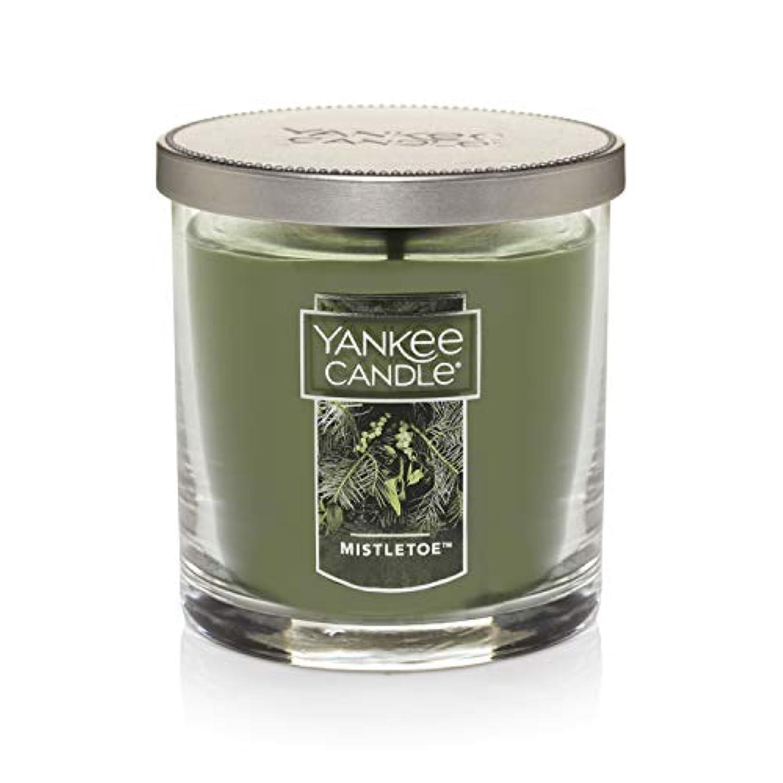 頬骨どきどきみぞれYankee Candle Mistletoe Small Single WickタンブラーCandle、Festive香り